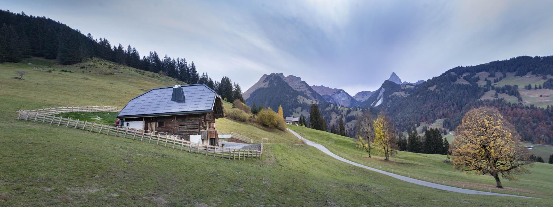 154%-PlusEnergie-EFH Sanierung, Gstaad/BE
