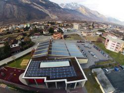 Depuis 2011, la commune de Saxon a réalisé 8 installations photovoltaïques d'une capacité totale de 700 kWc. La production annuelle atteint quelque 733'700 kWh/a.