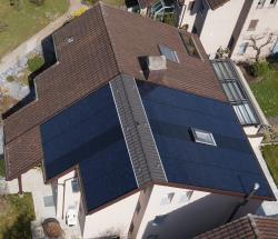 Die Solaranlage auf dem Dachteil der Familie Bäumle