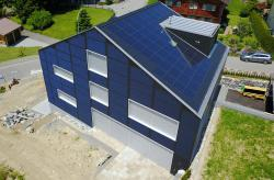 Die 41 kW starken PV-Anlagen erzeugen jährlich rund 30'200 kWh.