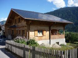Durch die vorbildliche und vollflächige PV-Dachintegration blieb der ursprüngliche architektonische Charakter des sanierten EFH vollständig erhalten.