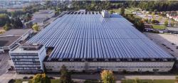Kraftwerk Riverside Zuchwil: Die 5.76-MW-Photovoltaik-Dachanlage erzeugt jährlich rund 4.7 GWh/a.