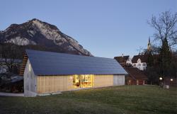 Die 108 m2 grosse und 17 kW starke PV-Anlage erzeugt jährlich 22'800 kWh/a.