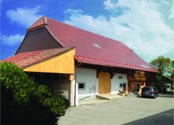 Das Bauernhaus Galley besteht zu zwei Dritteln aus einem landwirtschaftlichen Betriebsbereich und zu einem Drittel aus einem Wohnbereich.