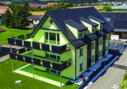 375 m2 der Gebäudehülle (inkl. Carpot) werden zur Solarstromproduktion genutzt