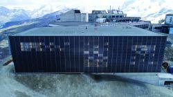 Die 136 kW starke PV-Anlage ist optimal in die Fassade integriert und deckt 42% des Gesamtenergiebedarfs der Talstation.