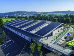 Solarbetriebene Eishalle Wohlen 1