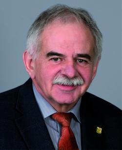 Roland Kuttruff