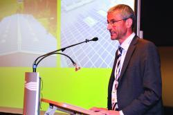 Felix Vontobel anlässlich der Verleihung der Norman Foster Solar Awards für PlusEnergieBauten 2011 in der Palexpo in Genf.
